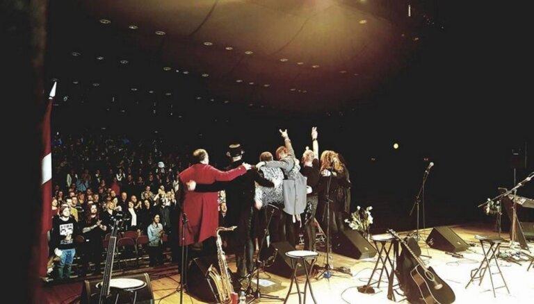 Izdots jauns grupas 'Līvi' koncertalbums 'Bez štepseļiem'