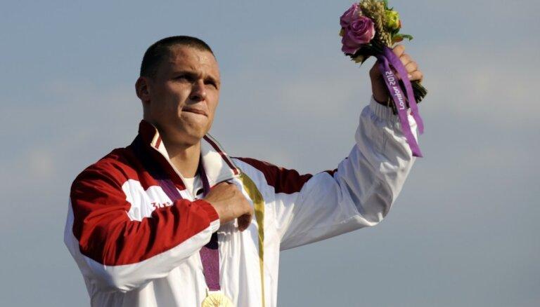 Divkārtējais olimpiskais čempions Štrombergs liek punktu izcilajai karjerai