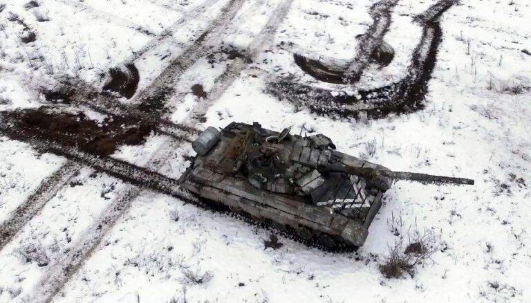 Foto: Ukrainā aizvadītas vērienīgas tanku mācības