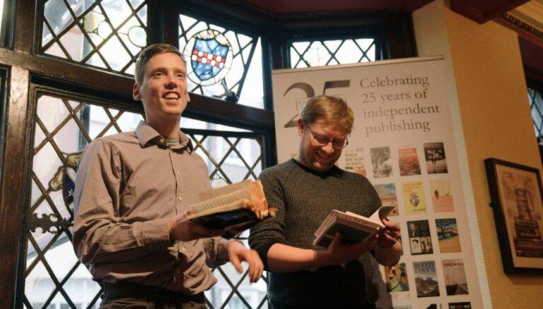 Latviešu dzejnieki piedalās Eiropas Dzejas festivālā Apvienotajā Karalistē un Īrijā