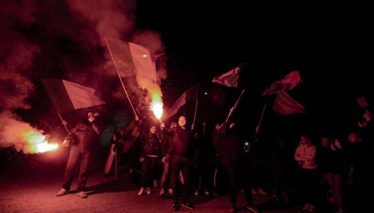 Itālija sāk izmeklēt neofašistu protestus pret čigāniem
