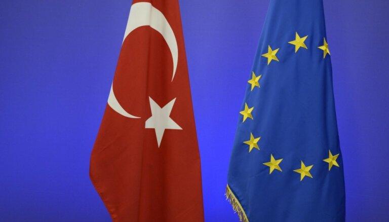 Turcija nosoda EP Ārlietu komitejas aicinājumu apturēt sarunas par iestāšanos ES