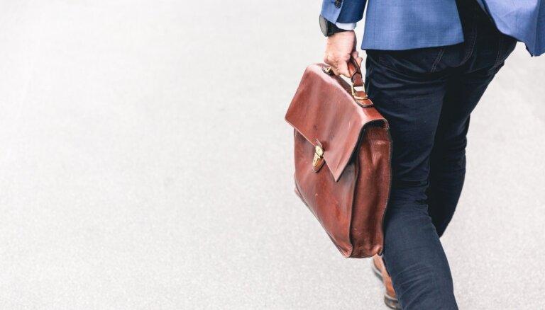Kļūdas darbavietā, kas grauj attiecības ar kolēģiem un var maksāt amatu