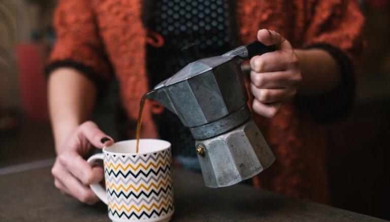 Pētīs kafijas biezumu izmantošanu augkopībā