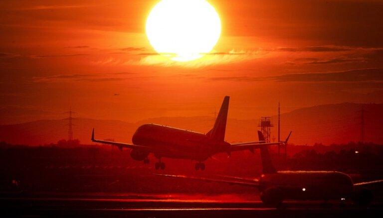 Dronu dēļ uz brīdi apturēta aviosatiksme Frankfurtes lidostā