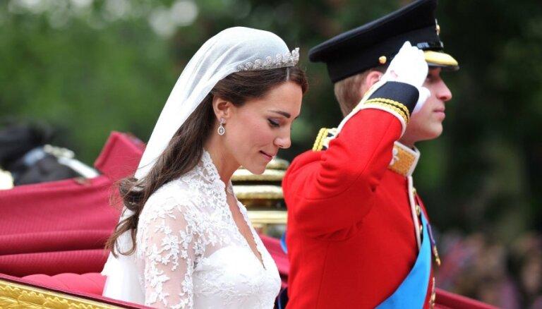 Иконические платья, которые носили актрисы и представительницы королевских семей