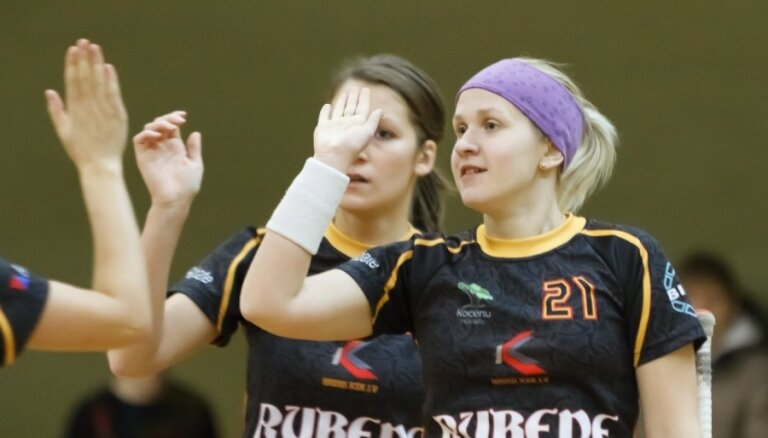'Rubenes' florbolistes nodrošina uzvaru 'Elvi Florbola līgas' regulārajā turnīrā