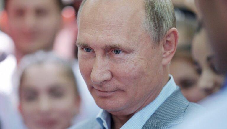 The Guardian: Не контролируют ли Путина шпионы?