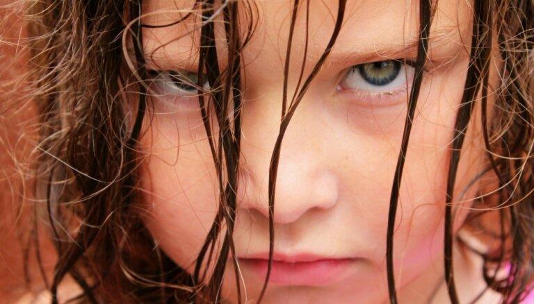 Četras izplatītākās vecāku kļūdas, ļaujoties izlutināta bērna manipulācijām