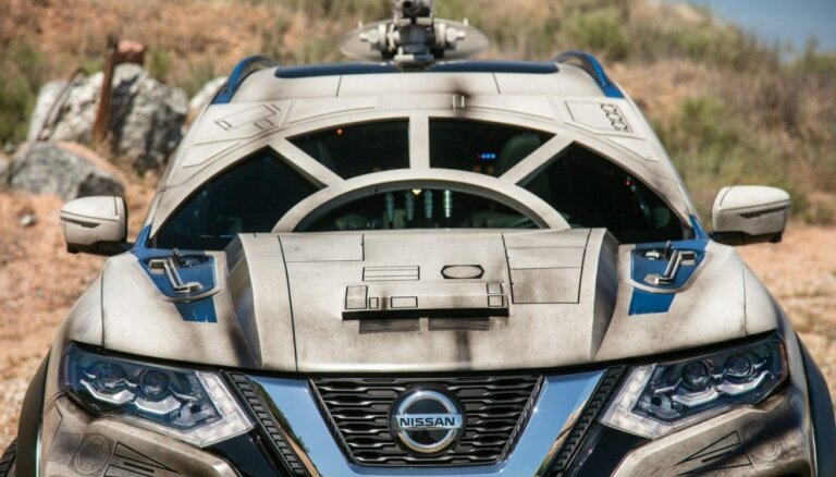 'Nissan X-Trail' kosmoskuģa stilā par godu jaunajiem 'Zvaigžņu kariem'