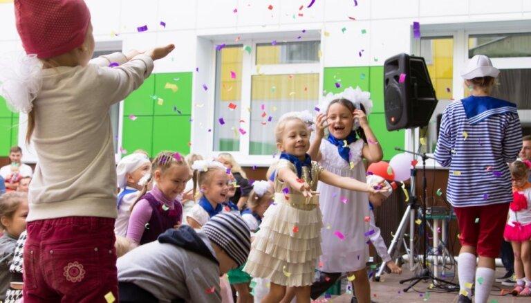 Jauniešus un bērnus aicina svinēt Zinību dienu Esplanādē un pie Kongresu nama