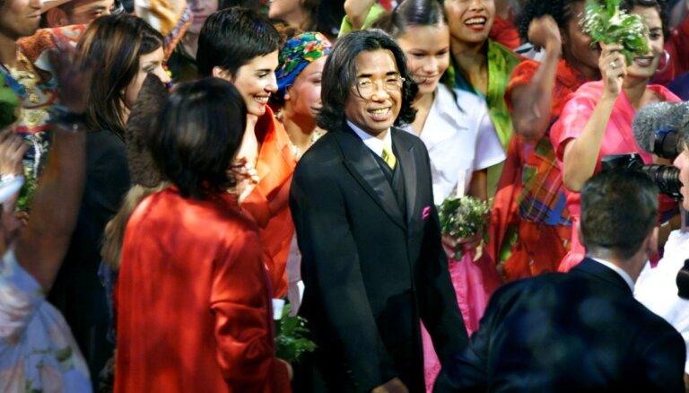 Kenzo Takadu pieminot: ziedu un krāsu mantojums, kas dzīvos mūžīgi