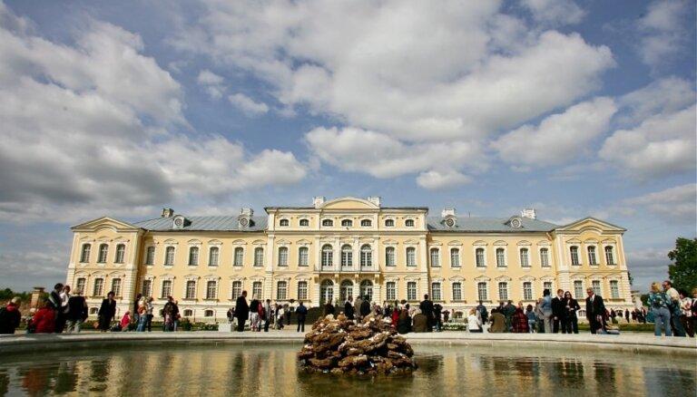 Rundālē atklās izstādi par grandiozo Frederika VIII pils restaurāciju