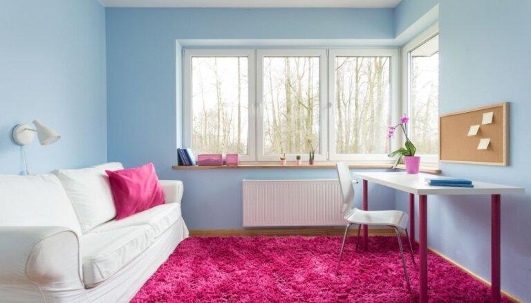 Šī gada aktuālo krāsu duets - rozā kvarcs un dzidri zilais