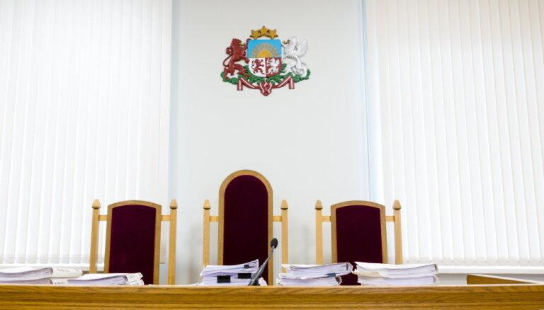 Magoņa kukuļošanas lietas tiesnesis pieļāvis rupju nolaidību citas lietas izskatīšanā