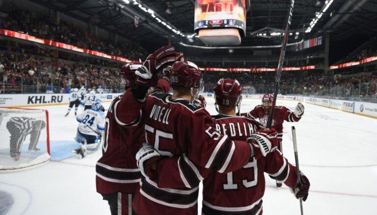 Rīgas 'Dinamo' sezonas tālāko izbraukumu noslēdz ar uzvaru 'bullīšos' pār 'Admiral'