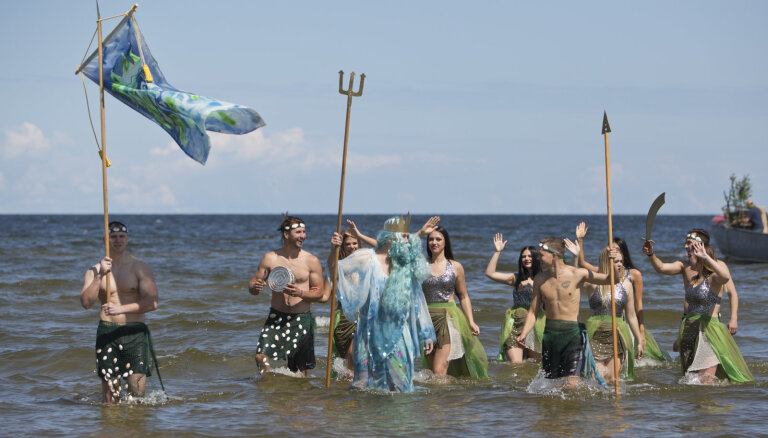 Foto: Rojā žilbinoši aizvadīti zvejnieksvētki