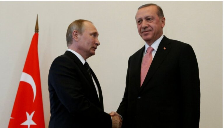 Le Monde: саммит G20 стал триумфом Путина и Эрдогана