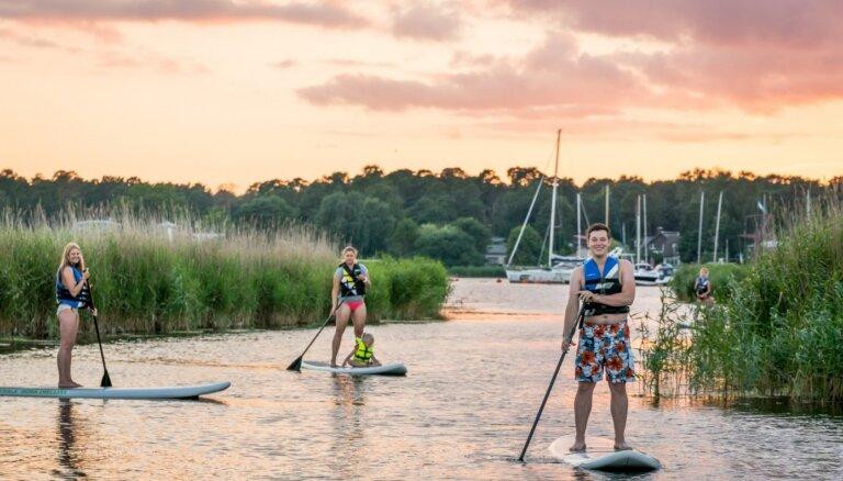 Aktīvā atpūta Jūrmalā: ūdens prieki, tenisa korti, golfs un brauciens ar jahtu