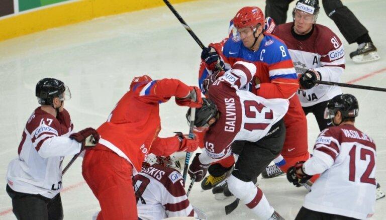 Latvijas hokejisti neatrod argumentus pret labi spēlējošo Krieviju