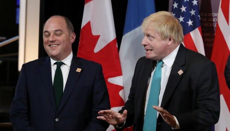 """Министр обороны Великобритании назвал Россию """"угрозой номер один"""""""