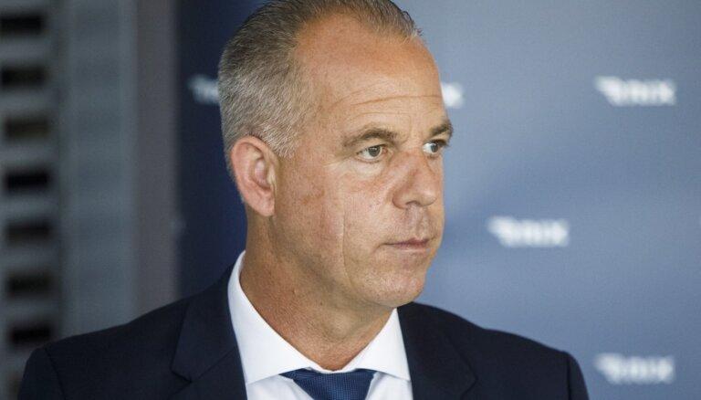 Зарплата главы airBaltic Мартина Гаусса рухнула на 42%