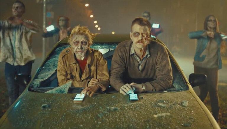 Jaunā kampaņā CSDD uzsāk cīņu ar mobilā telefona 'nozombētiem' autovadītājiem