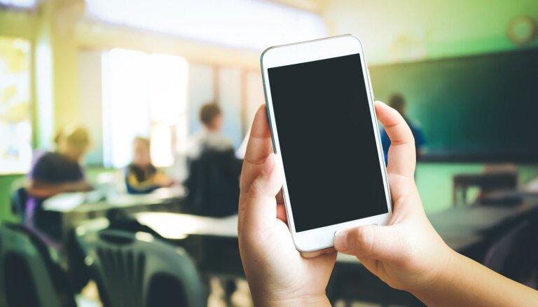 Drošības aspekti bērna pirmajā mobilajā tālrunī – iestatījumi un aplikācijas
