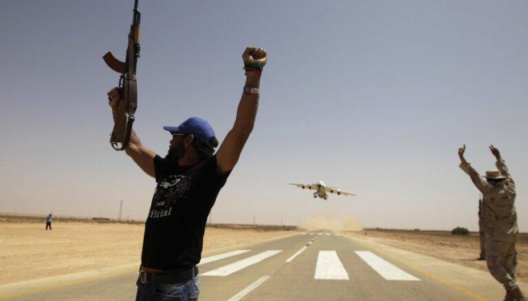 ASV: Krievija nosūtījusi kara lidmašīnas algotņu atbalstam Lībijā
