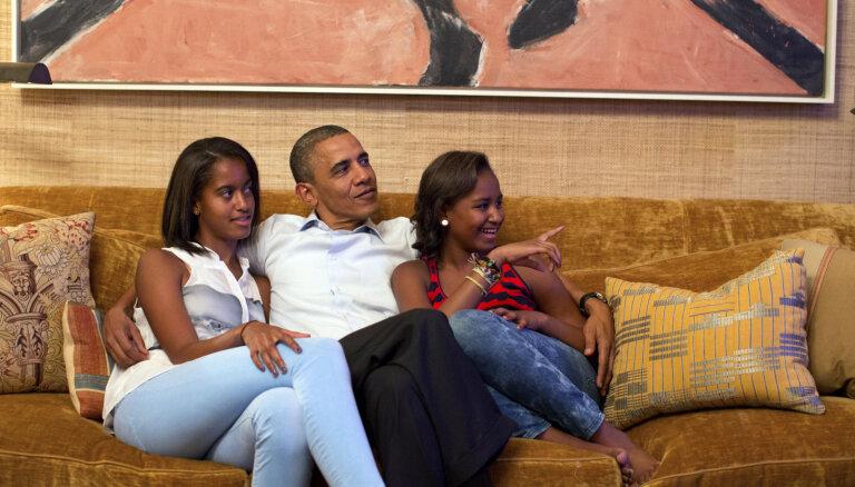 Piecas lietas, ko bērnu audzināšanā varam mācīties no Obamu ģimenes