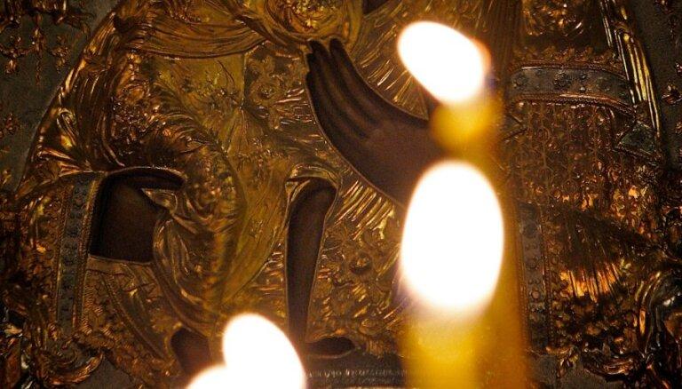 Осквернителя икон в храме Христа Спасителя накажут строже Pussy Riot