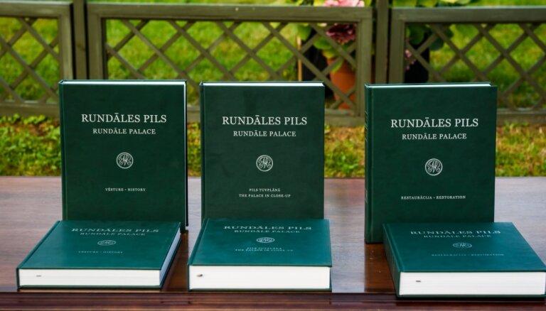 Izdota monogrāfija par Rundāles pils restaurāciju