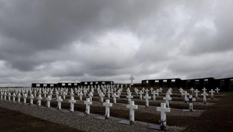 Miris Folklendu kara 'īstais varonis' ķirurgs Džollijs, kurš izglāba simtiem dzīvību