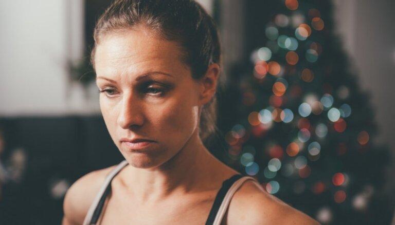 Eksperte: spiediens svētkos priecāties var izraisīt ciešanas