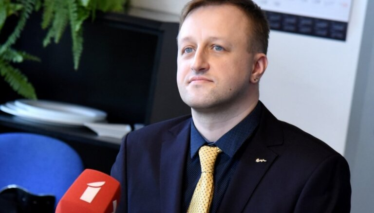 LTV vadītāja amatā ieceļ 'Olainfarm' mārketinga analītiķi Eināru Gielu