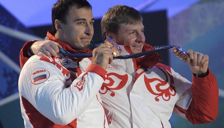 Российский бобслеист Зубков отказался отдавать Мелбардису олимпийское золото
