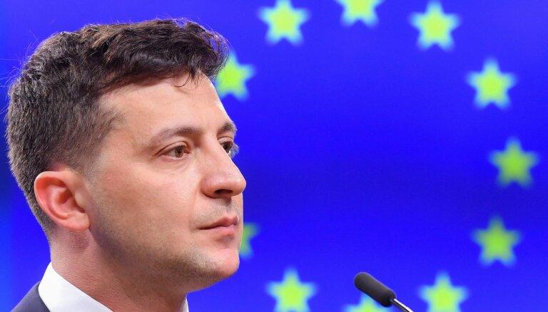 Зеленский попросил ЕС сохранить санкции против России