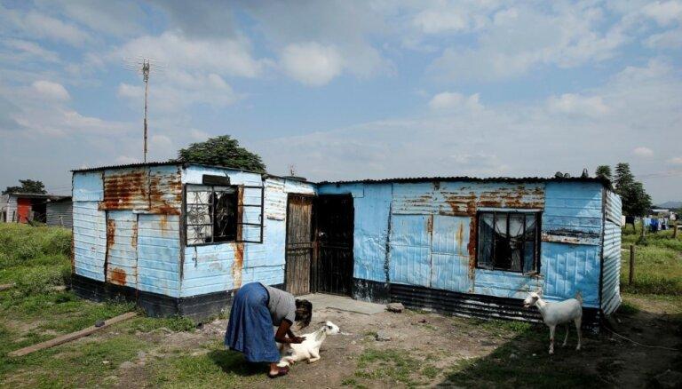 Izvarošanas Dienvidāfrikā: platīna ieguves reģionā šokējošs vardarbības līmenis