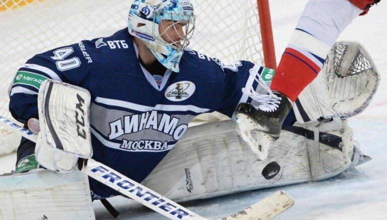 Ābola trenētajai 'Lada' pievienojas Maskavas 'Dinamo' vārtsargs