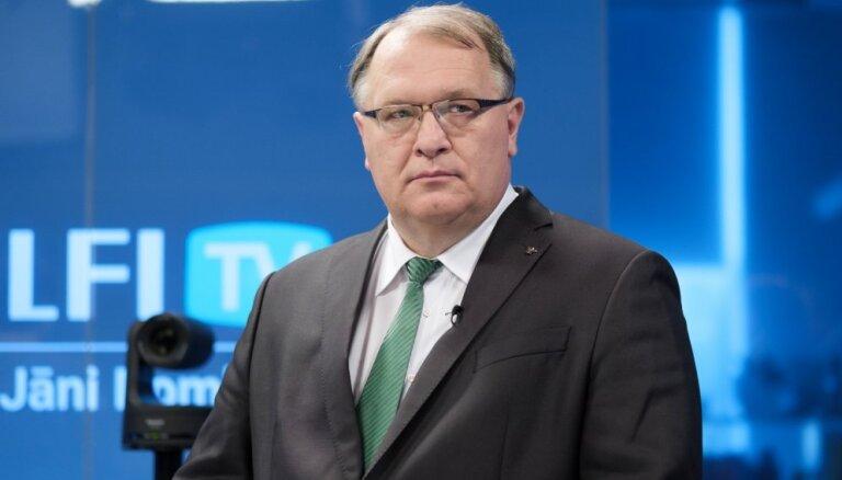 Barševskis aicina policiju pievērsties studiju noslēguma darbu tirgošanas izskaušanai