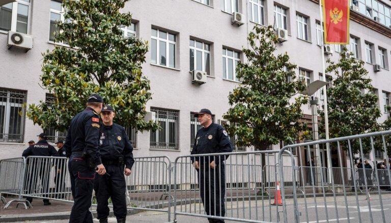 Melnkalnē notiesā 14 cilvēkus par apvērsuma mēģinājumu