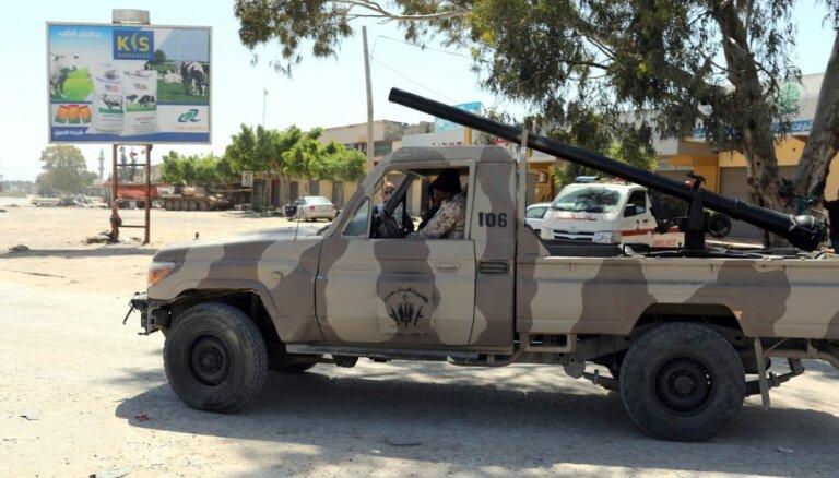 Kaujās par Tripoli dzīvību zaudējuši vairāk nekā 200 cilvēki, atklāj PVO