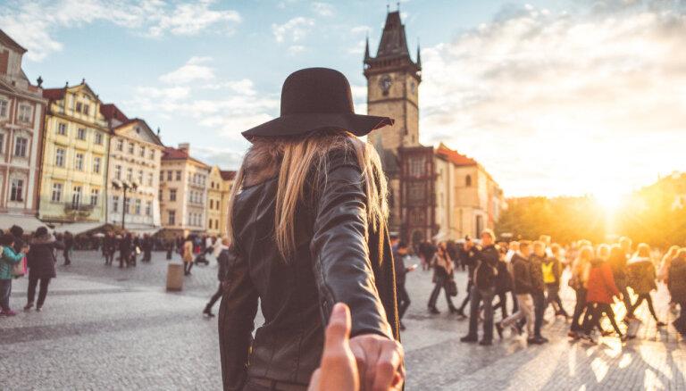 Пять причин откладывать деньги на путешествия, а не на шубу