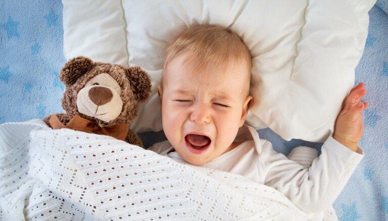 Miega terors mazulim: kā atpazīt naktsmiera traucētāju un ko iesākt