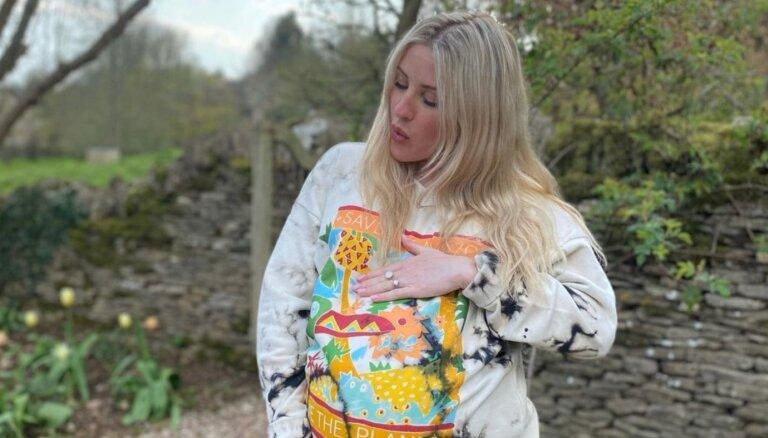 Dziedātāja Elija Goldinga laidusi pasaulē mazuli