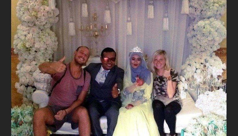 Iemaldīšanās malaiziešu kāzās un pārsteigumi uz Taizemes robežas: latviešu ceļotāju raibie piedzīvojumi