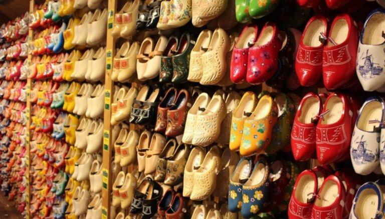 ФОТО. Не просто башмаки: как делают традиционную голландскую обувь