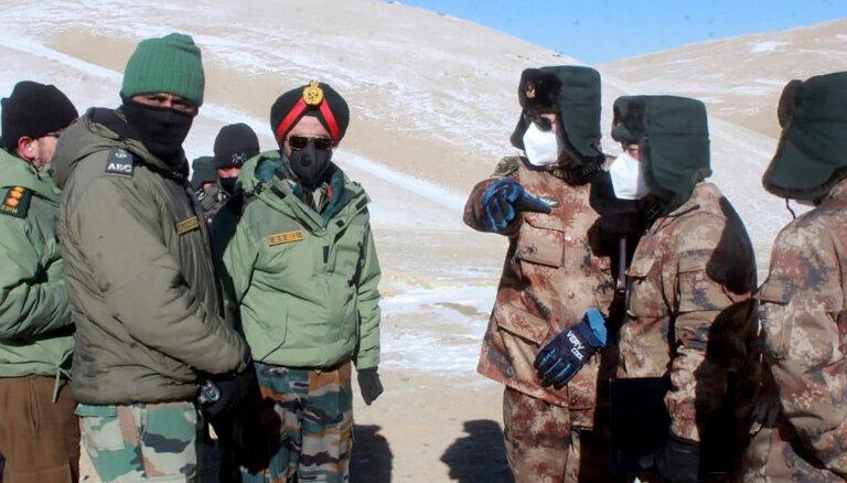 Ķīna turpina militāri nostiprināties Indijas pierobežā