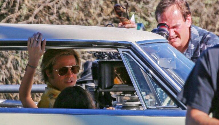 Noskaties! Klajā laists Tarantino jaunās filmas 'Reiz Holivudā' treileris