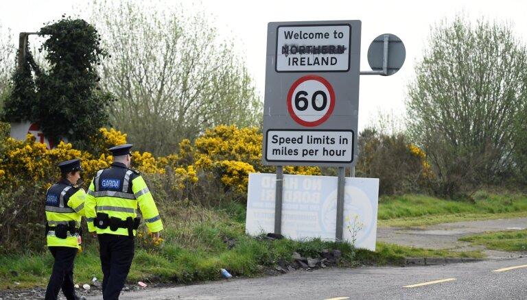 Īrijas premjera vietnieks: Nepietiks laika pārskatīt pagaidu risinājumu Ziemeļīrijas robežas jautājumā